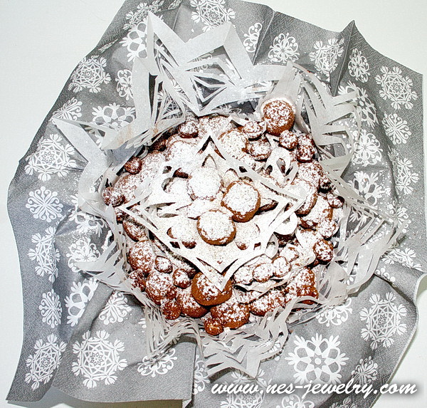 Wrap the sweets for New Year party 14 WM