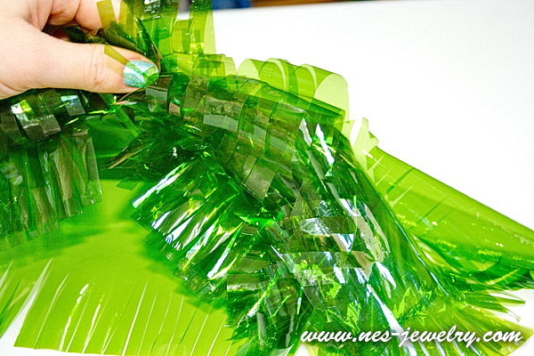 Wrap the sweets for New Year party 21 WM