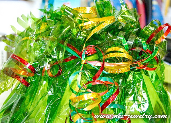 Wrap the sweets for New Year party 25 WM