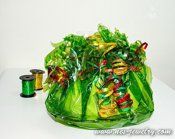 Wrap the sweets for New Year party 26 WM