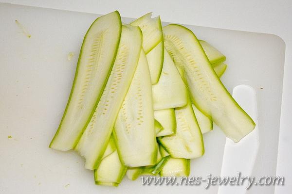 Zucchini ricotta antipasti 04 WM