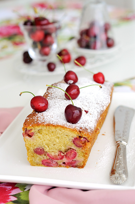 Cherry and amaretto cake 1