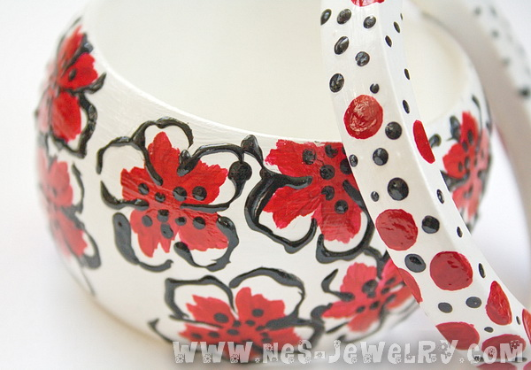 Red flowers wooden bangles 2