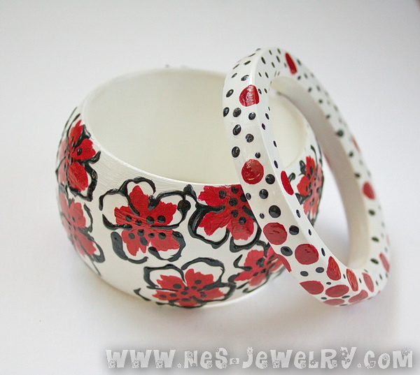 Red flowers wooden bangles 3