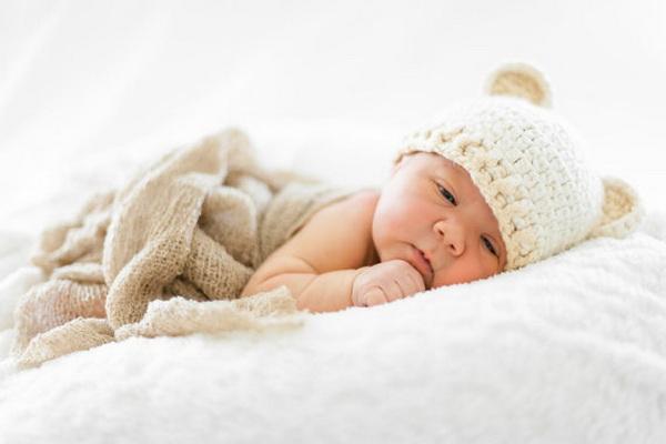 handmade baby goods from Etsy baby bear hat