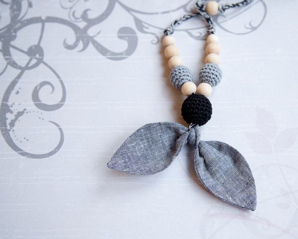handmade baby goods from Etsy bow nursing necklace